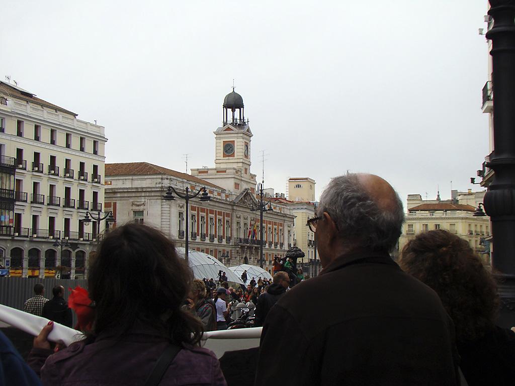 Movimiento 15 m marcha atocha puerta del sol hoy for Puerta del sol hoy en directo